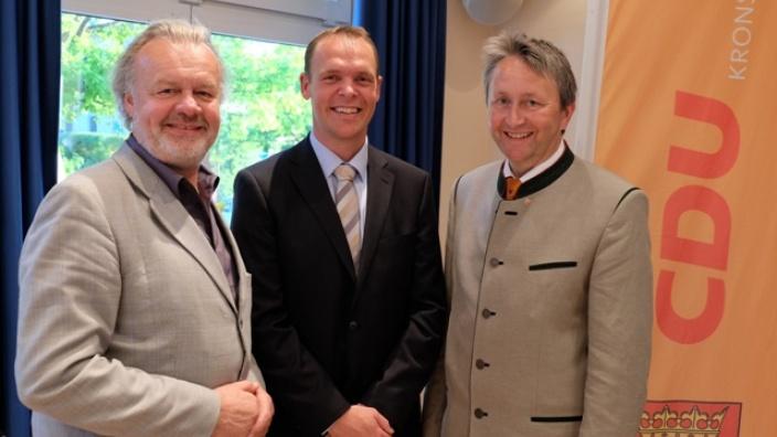Bernd Carstensen mit Ingo Sander und Hauke Göttsch.